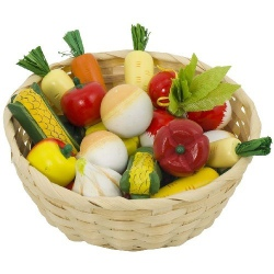 Drewniane warzywa w koszyczku
