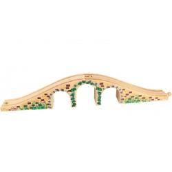 Drewniany most z trzema łukami
