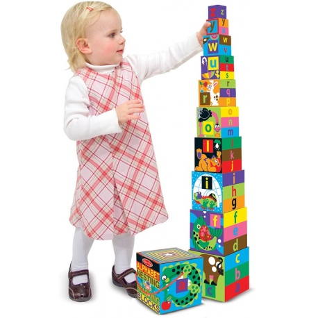 WIEŻA piramida z kolorowych pudełek
