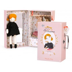 PARYŻANKA walizka z lalką i garderobą
